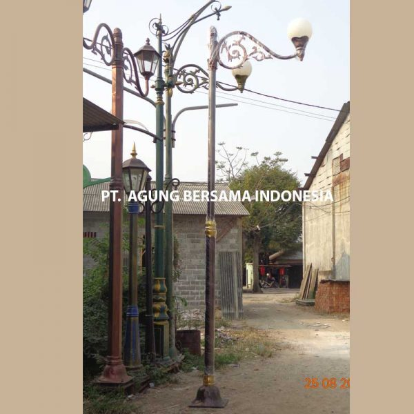 Supplier Tiang Lampu Antik